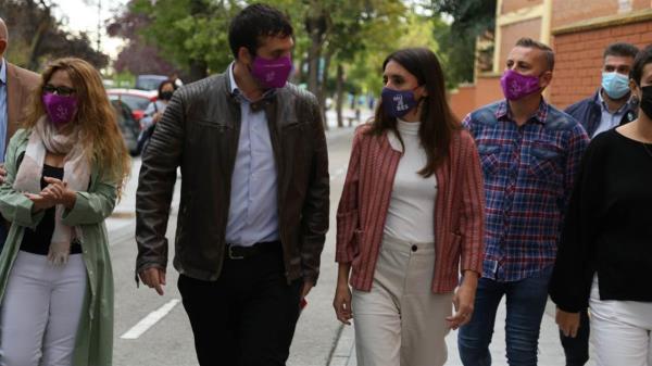 La ministra de Igualdad ha visitado nuestra ciudad acompañada de Jesús Santos, Tte. alcalde y Raquel Rodríguez, Concejala de Desarrollo Económico, Empleo y Feminismo.