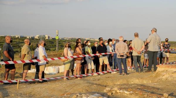 Los vecinos de Boadilla visitan las excavacines del cerro de San Babilés