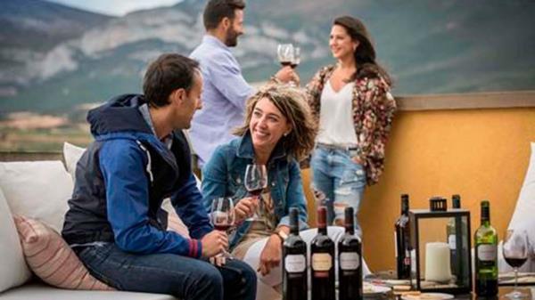 Vive un verano de emociones con la ruta del vino de Rioja Alaves
