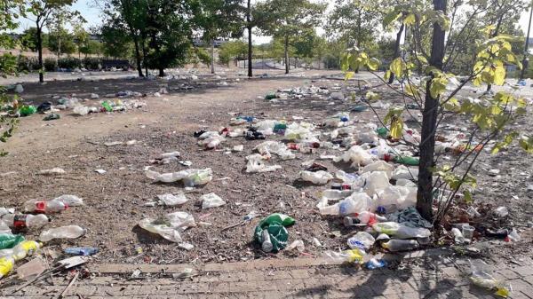 La cuenta de Twitter ha difundido imágenes para denunciar la basura