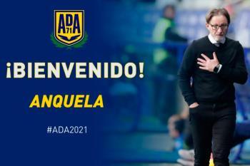 El club alfarero confía en el técnico linarense tras la destitución de Mere Hermoso