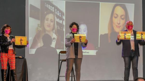 Ya conocemos el nombre de la ganadora de 'Mujer al viento', el certamen literario torrejonero dedicado al empoderamiento