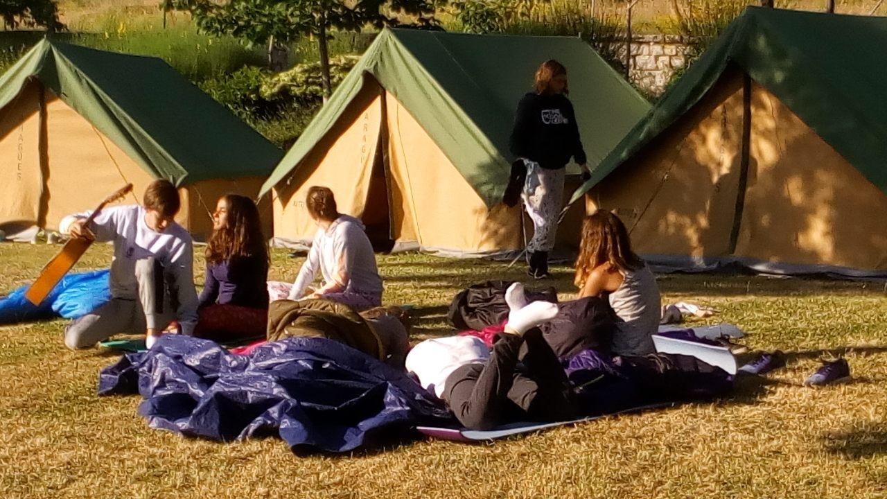 Un campo de voluntariado, una expedición juvenil y un campamento de  surf para chicos de 13 a 17 años que se celebrarán en el mes de julio