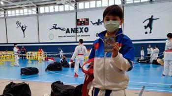El jovencísimo karateca mostoleño se llevó el oro en la modalidad de katas